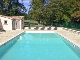 Vaste propriété avec piscine en Dordogne Perigord, Vanxains