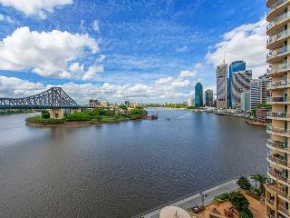Uninterrupted Breathtaking views Brisbane CBD & River Views 2bd, 1.5bt
