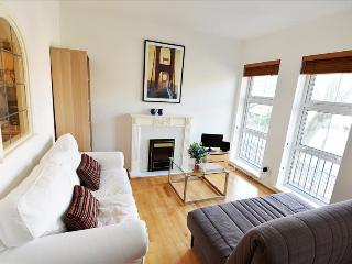 Bright 1bdr close to LDN Bridge