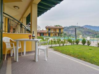Bright 1bdr w/pool&parking, Sulzano