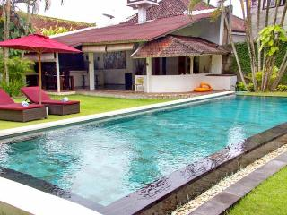 Mauris 3 Bedroom Villa, Near Seminyak*, Kerobokan