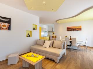 Luxury apartment in Split - Sunny Garden A1