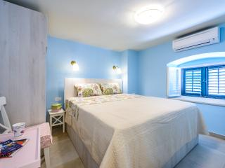 NEW! OLD TOWN STRADUN VIEW EN SUITE ROOM no.4