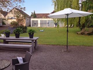 Modern house wiht badminton court, Dreux