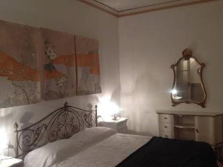 Casa San Marco: centralissima, elegante, d'epoca., Piacenza