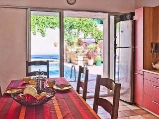 Holiday villa with pool South of France sleeps 8 (Ref: 166), Pézenas