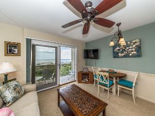 Breakers 237, 1 Bedroom, Oceanfront, Gorgeous Views, Community Pool, Sleeps 4, Hilton Head