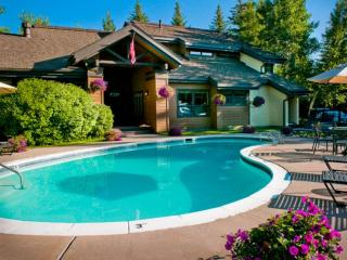 Your Summer Retreat is Waiting for YOU! Seasonal Heated Pool & Hot Tub, Beaver C