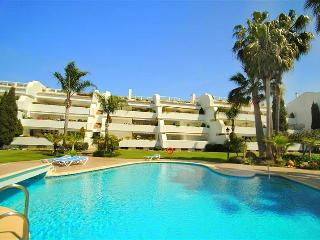 very spacious 3 bedroom apartment, seaviews,, Marbella
