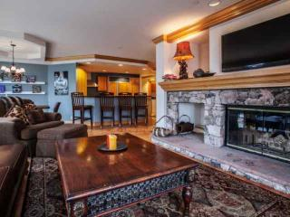 Beaver Creek Lodge Condo, Year Round Pool & Hot Tub, Steps to Village, Shopping, Dining & Lifts!