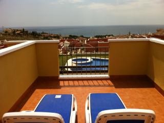 MH06 - Lovely 2 Bed 2 Bath Villa, Sea views, Isla Plana
