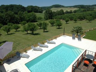 High Quality, Private Pool and 10 min from village, Castelmoron-sur-Lot