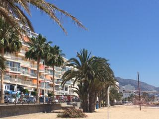 Sea Front 2 Bedroom Holiday Apartment, Altea