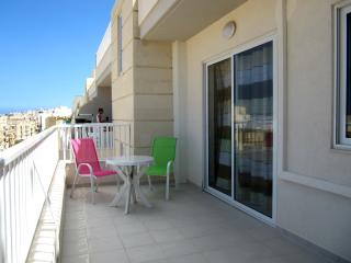 Modern Fully Furnished well lit  Apartment, Bugibba