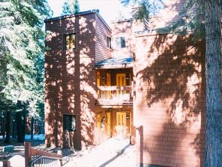 Northstar Ski in/out condo-2 bedroom, Truckee