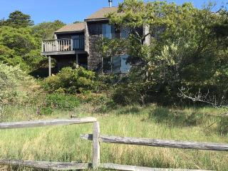 Water views, nature, short walk to beach, Wellfleet