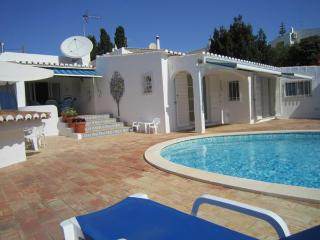 4 bedroom detached Villa with private heated pool, Luz