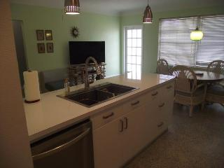 Triplex pool unit a - st. Pete beach - close to everything