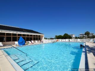 2 Bedroom Just Across from Beach~Sep/Oct Weeks Available~Snowbird Welcome!, Destin