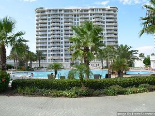 Silver Shells 3BR/3BA Gulf-Front Condo~Great Spring Break Location!