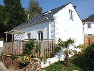 Seashells,1 bed, pool, WiFi, near beach/river/pub, Helford