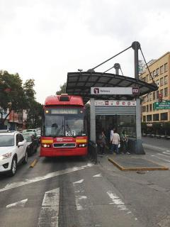 ully connected, public transportation within 1 block