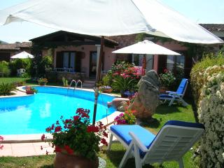Villa con piscina in Villaggio Miriacheddu
