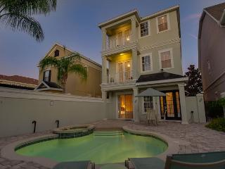 3 STORY POOL HOME WITH STUNNING GOLF VIEWS, Reunion