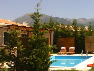 1BR ,private pool  special offer 11-7until 21-7, Vasiliki