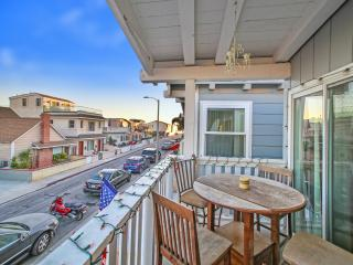 125 B 39th Street - Upper 4 Bedroom 2 Bath, Newport Beach