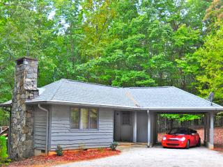 Cottage At Pirates Cove, pet friendly, convenient