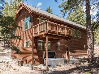 Luxury Retreat at Heavenly Boulder Lodge – Walk to Lifts, Stateline