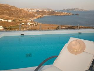 Amazing views villa with private swimming pool, Mykonos-Stadt