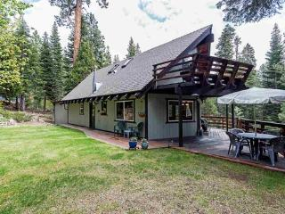 Quiet Tahoe Cabin on Beautiful West Shore, Tahoma