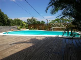 Logement indépendant avec piscine, La Possession