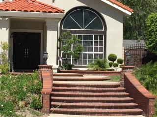 Bright & Spacious 3 BR OC Retreat, Yorba Linda