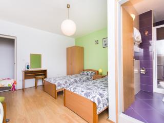 Green twin studio in Cavtat