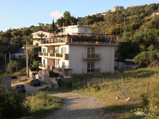 Villa LUCIA, Patras