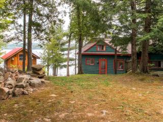 "Summer Rates Reduced! ""Bunk House"" Serene 4BR Hague Cottage on Lake George w/Small Beach, Private Dock & Wifi - Less Than 1 Mile from Downtown Hague!"