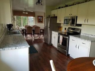 Large 5 bedroom country home, 2 baths, large yard, Marquette