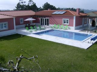 Luxury Villa w/FREE WI-FI and PRIVATE POOL, Salir de Matos