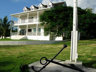 Charm and elegance - amazing views on mid-island Eleuthera, Governor's Harbour