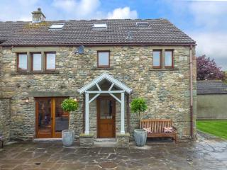 WARREN HOUSE, luxury accommodation, patio and lawned garden, fantastic walking, Kirkby Lonsdale