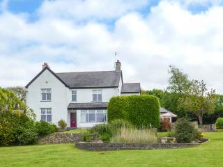 CLAI impressive detached cottage, AGA, woodburning stove, games room, garden in Llangefni Ref 935807