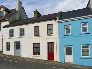 SWEENEY COTTAGE, with a garden in Roundstone, County Galway, Ref 939089