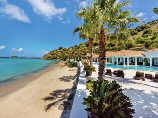 Luxury 6 bedroom St. Martin villa. Contemporary Beachfront with gorgeous