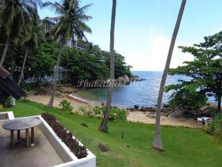 Single apartment with sea views in Kamala Beach Estate