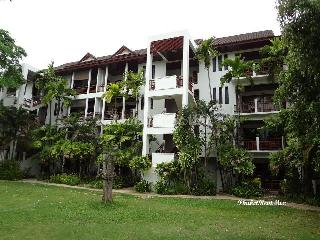 Two-bedroom apartment in the Sands complex near Nai Harn beach