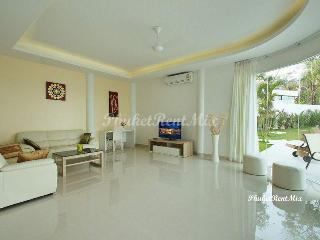 Bedroom apartment in a new complex close to the beach Yanuy and Nai Harn beaches, Rawai