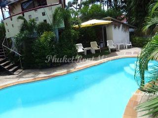 Cosy bungalows with shared pool close to Nai Harn beach
